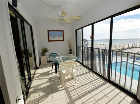 Gulf Tower 1C ~ Great Studio Enclosed Balcony    VRBO