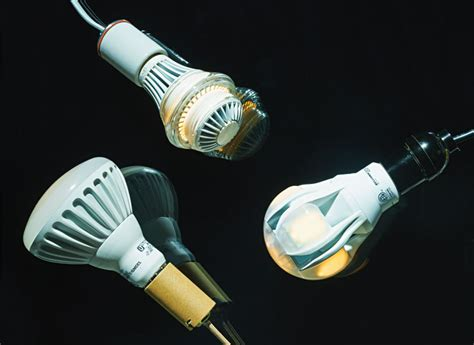 best led light bulbs consumer reports top leds and cfls for the days ahead consumer reports