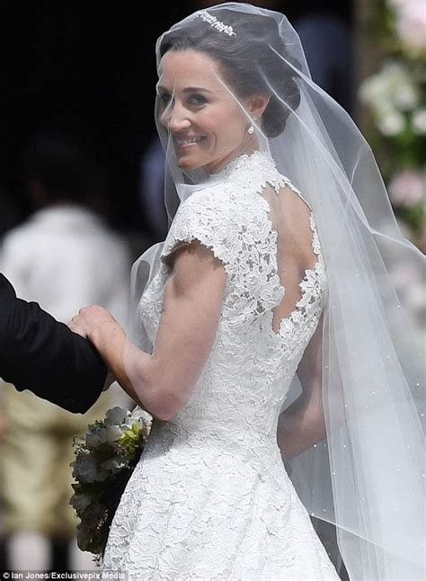 hochzeitskleid pippa middleton the dream dress and fashion nightmares at pippa s wedding