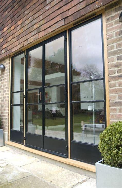 glass in a b label door replace windows next to door in snug with length