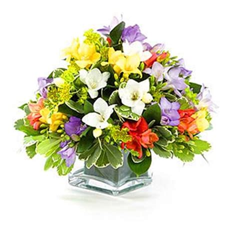 arrangement of flowers flower arrangement styles styles of flower arrangements