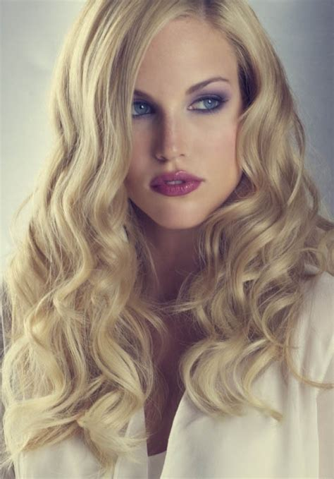 Wedding Loose Curls Hairstyle   The latest trends in women's hairstyles and beauty