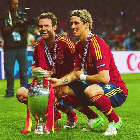 spanish football team euro 2012 euro 2012 final spain v italy torres celebrating