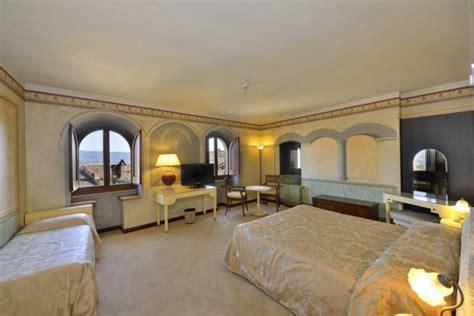 hotel con camino a todi hotel 4 stelle con suite romantiche con caminetto