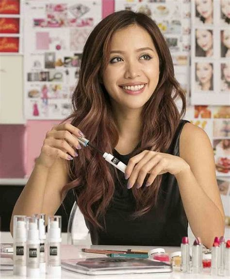 makeup tutorial youtube michelle phan michelle phan behind the makeup of youtube s fairy