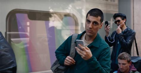 samsung commercial samsung ad pokes at iphone again