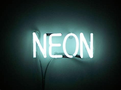 illuminazione neon quanto consuma una luce al neon illuminare al