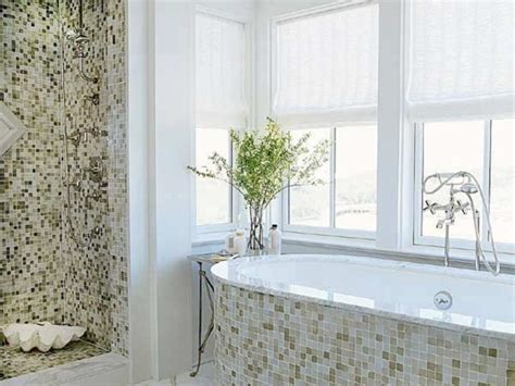 Green And White Bathroom Ideas by Bathroom Remodeling Ideas With Green And White Mosaic