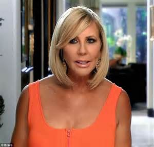 who colors and styles vicki gunvalsos hair vicki gunvalson faces more questions about boyfriend s