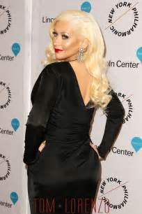 Bear Carpet Christina Aguilera In Versace At The Quot Sinatra Voice For A