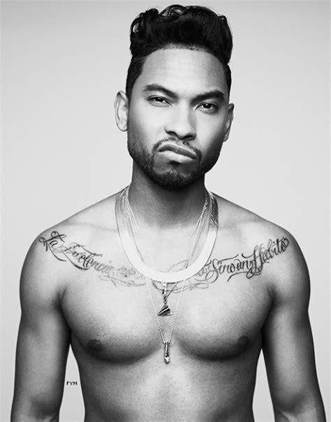 how to have hair like miguel the singer billboard music awards producers say they told miguel not
