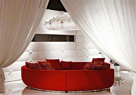 rote sofa what curtain color goes with sofa
