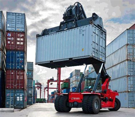 Kontainer Atau Termos Lapangan alat bongkar muat di pelabuhan port information