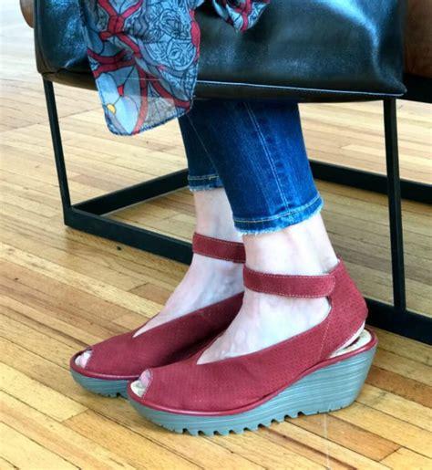 barking shoes barking shoes networkedblogs by ninua