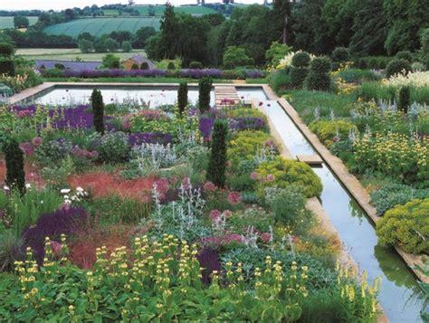 Traditional English Gardens with a Twist Garden Design