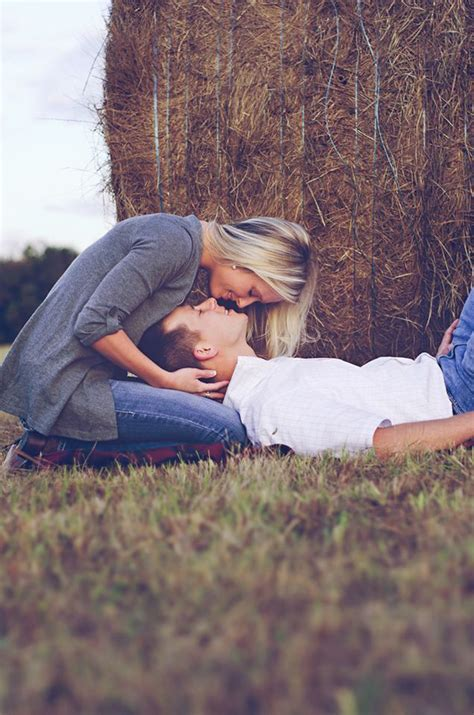 Photography Ideas by 20 Amazing Pose Ideas For Engagement Photos