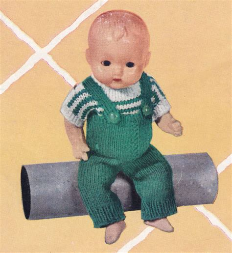 vintage knitted dolls clothes patterns available from the