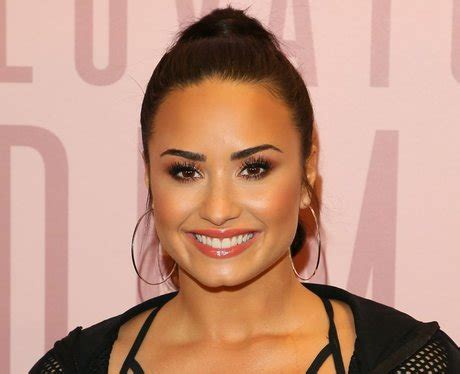demi lovato age 17 disney stars net worth how rich are these actors popbuzz