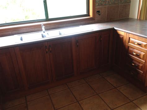 second hand designer kitchens second hand kitchen cabinets melbourne how much to reface