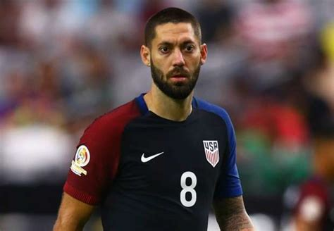 Howard Armchair Clint Dempsey S Return Headlines Usa Roster For March