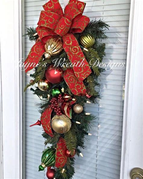 Lighted Christmas Door Swag With Ornament Jayne S Wreath Lighted Door Wreaths For