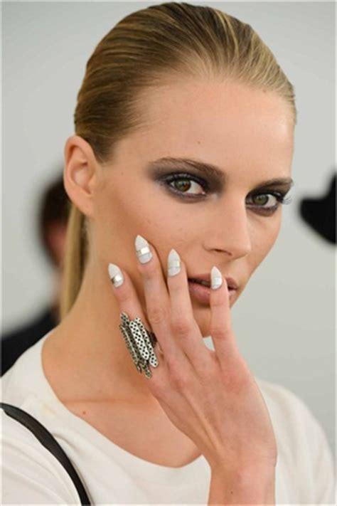 nail trends   spring  fashion week runways