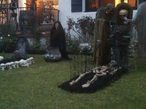 Cheap Halloween Decoration Ideas Outdoor Cheap Halloween Yard Decorating Ideas
