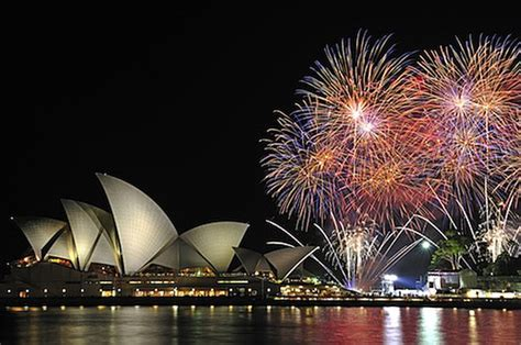 new year dinner sydney nye cruise dinner 6pm tours to go