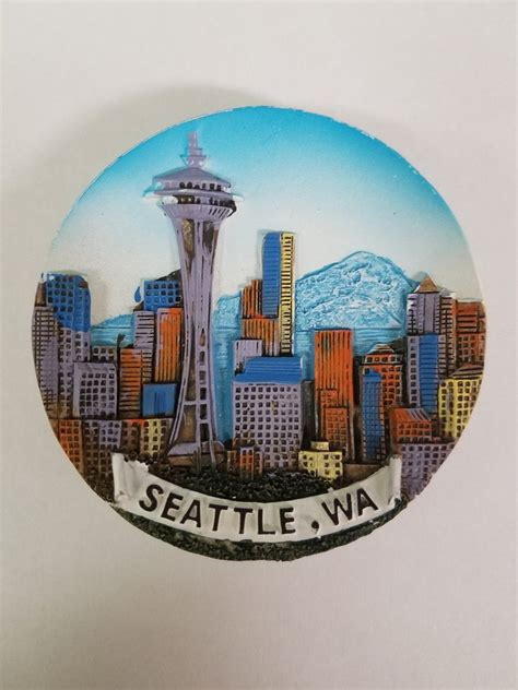 Seattle Giveaways - seattle souvenirs skyline with mt rainier magnet