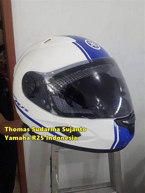 Helm Cargloss Yamaha Helm Standart Yamaha R25 Disesuaikan Dengan Warna Motor