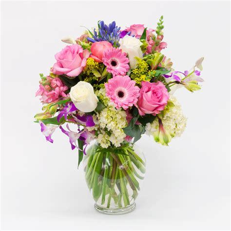 White Square Vase Spring Vase Arrangement Brattle Square Florist Since 1917