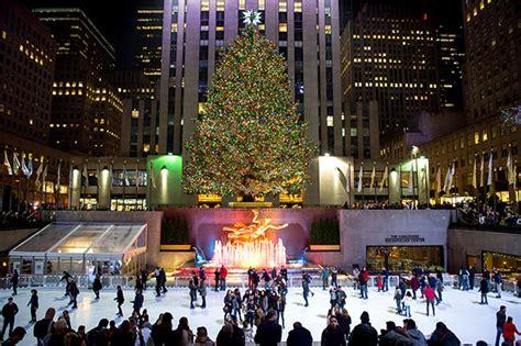 new york weihnachtsbaum in new york city intelligent travel