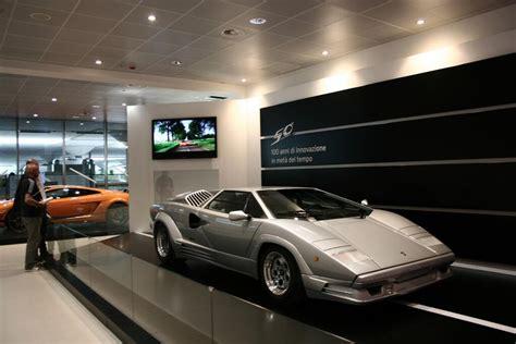 Lamborghini Bologna by La Nuova Esposizione Lamborghini All Aeroporto