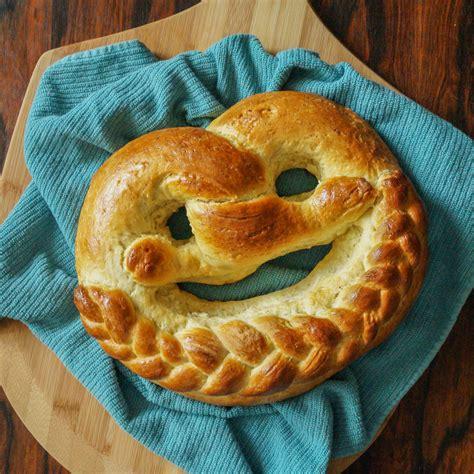 new year pretzel neujahrsbrezel german new year s pretzel