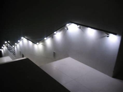 geländer und handläufe burg schlosserei licht leuchtendes