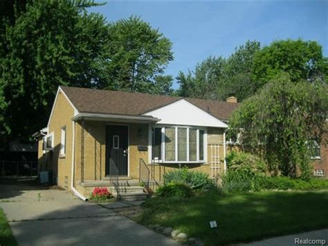 22648 englehardt st clair shores mi 48080 foreclosed home information reo properties