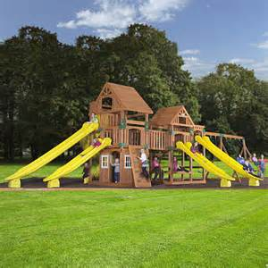 toys r us backyard playsets backyard odyssey safari cedar swingset toys quot r quot us