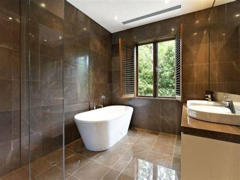 Badewanne Am Fenster by 135 Kleine Badewannen Freistehend Und Eingebaut