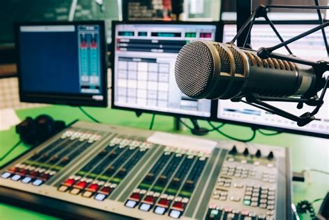 Radio Stations The 10 Best College Radio Stations Gear Patrol