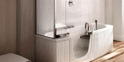 doccia e vasca insieme bagno accessori arredamento mobili vasche e sanitari