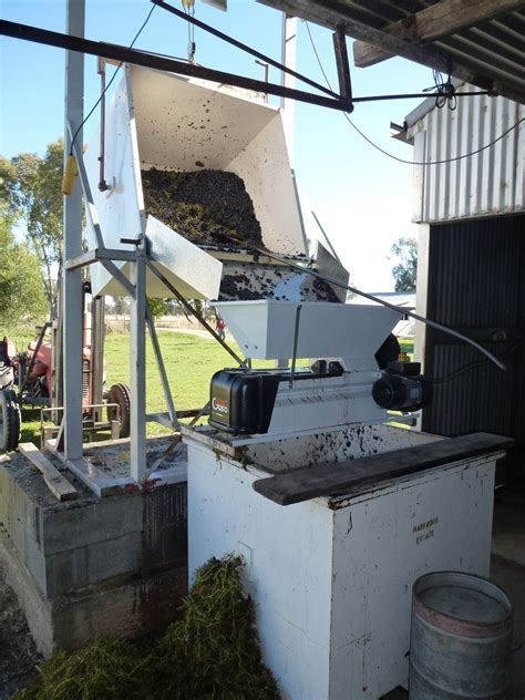 grifo wine crusher wine making markwood estate