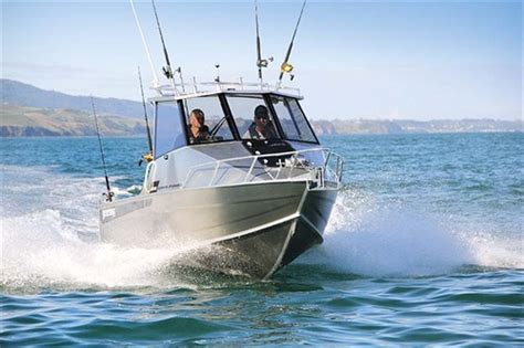 boat hardtop manufacturers australia surtees 610 gamefisher hardtop review trade boats australia