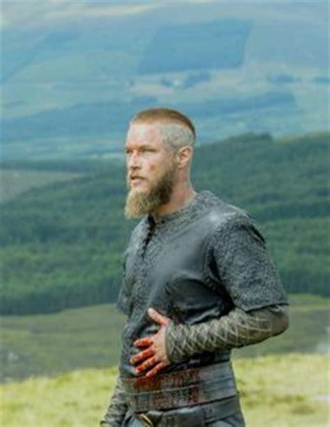 ragnar haircut season 3 vikings ragnar on pinterest travis fimmel vikings