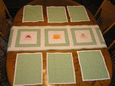 Quilted Table Mats by Quilted Table Runner And 6 Matching Placemats