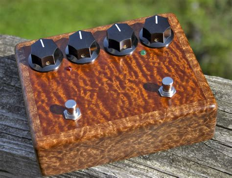 diy inductorless wah new wood enclosure finished gnat and colorsound inductorless wah
