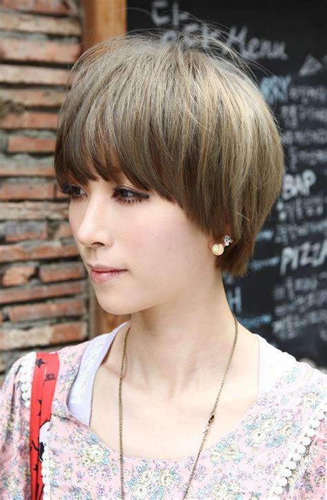 layered mushroom haircut for women beautiful bowl cut with retro fringe short japanese