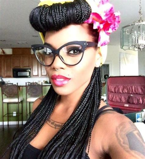 40 Pin Up Hairstyles for the Vintage-Loving Girl Box Braids With Bandana