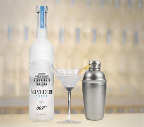Mendes Drank Vodka Before With Joaquin 3 by Bond Alias 007 Ist Zur 252 Ck Und Genie 223 T Drinks Mit