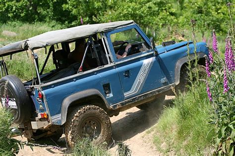 land rover driving course 4x4 road driving driver cornwall