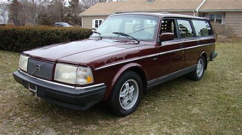 find   volvo  classic wagon limited edition    clean  reserve